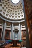 Florenz, Italien - 19. Mai 2014: Tangerinebaum in Laurentian-Bibliothek Lizenzfreie Stockfotografie