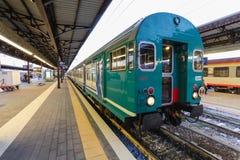 Florenz, ITALIEN 10. September 2016: Bilden Sie ` TrenItalia-` von Art Regionale oder Regionale Veloce auf der Station in Florenz Lizenzfreies Stockfoto