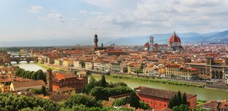 Florenz-Skyline mit Florence Cathedral, Palazzo Vecchio und Ponte Vecchio stockbilder