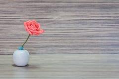 Florero con las flores Fotos de archivo