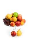 Florero con las frutas Fotos de archivo