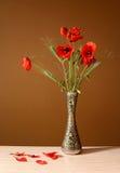 Florero de cerámica del ina de la flor de la amapola Fotografía de archivo