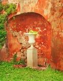 Florero de piedra Fotos de archivo