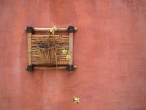 Florero hecho a mano en la pared Imagen de archivo libre de regalías