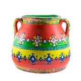 Florero pintado colorido adornado de la cerámica aislado en blanco Fotografía de archivo