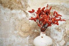 Florero viejo de la tetera en vintage del florero stly Fotografía de archivo libre de regalías