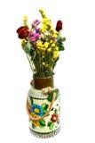 Florero viejo y flores secadas Fotos de archivo libres de regalías
