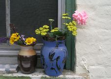Floreros del verano en Brooklyn, Nueva York Foto de archivo