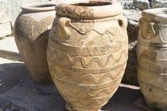 Floreros viejos de la arcilla, preservados de antigüedad Imagen de archivo libre de regalías