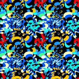 Flores abstractas brillantemente coloreadas en un modelo inconsútil del fondo negro libre illustration