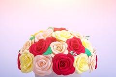 Flores artificiais das rosas Imagens de Stock