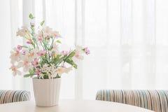 Flores artificiales Foto de archivo libre de regalías