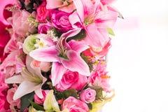 Flores artificiales coloridas del ramo Fotos de archivo libres de regalías
