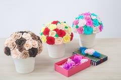 Flores artificiales de rosas Foto de archivo