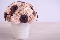 Flores artificiales de rosas Fotografía de archivo