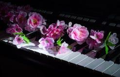 Flores artificiales Sintetizador de la m?sica fotografía de archivo libre de regalías