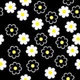Flores brancas esquemáticas simples em um fundo preto Mar floral Fotos de Stock Royalty Free