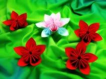 Flores coloridas de la papiroflexia Fotos de archivo