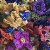 Flores coloridas del trabajo de la aguja Foto de archivo