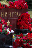 Flores como muestra del luto para los muertos Fotografía de archivo libre de regalías