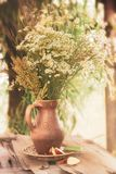 Flores con estilo retro del vintage del efecto del filtro imagen de archivo