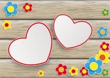 Flores 2 corazones de madera Foto de archivo libre de regalías