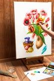 Flores da aquarela do desenho do pintor Fotografia de Stock Royalty Free