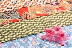 Flores da azálea no pano Fotografia de Stock Royalty Free