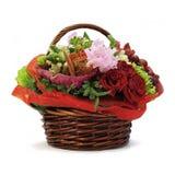 Flores de cesta de vime Imagens de Stock Royalty Free