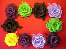 Flores de feltro - rosas imagens de stock royalty free