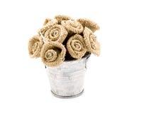 Flores de Handemade na cubeta pequena. Foto de Stock