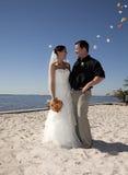 Flores de jogo do casamento de praia fotos de stock