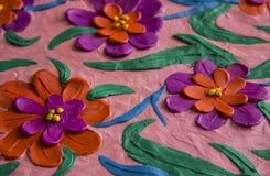 Flores de la primavera del plasticine foto de archivo