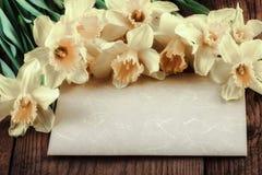 Flores de la primavera del vintage con el espacio de la copia Imágenes de archivo libres de regalías