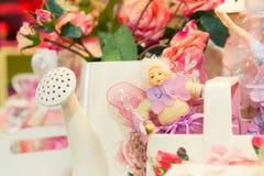 Flores de las rosas en regadera Foto de archivo libre de regalías