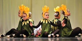 Flores de los niños en etapa Imágenes de archivo libres de regalías