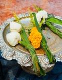 Flores de Lotus en templo budista Foto de archivo libre de regalías