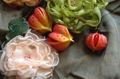 Flores de matéria têxtil Imagens de Stock