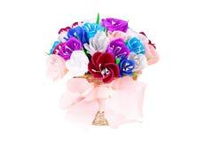 Flores de papel bonitas na cesta Fotografia de Stock Royalty Free
