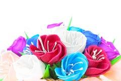Flores de papel bonitas na cesta Foto de Stock