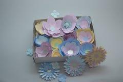 Flores de papel del colorfull hecho a mano Fotos de archivo
