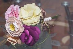 Flores de papel hechas a mano Foto de archivo libre de regalías