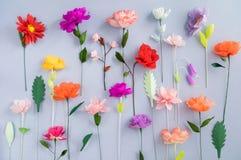 Flores de papel hechas a mano Fotografía de archivo libre de regalías