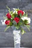 Flores de Rosa no vaso de vidro (1) Imagens de Stock