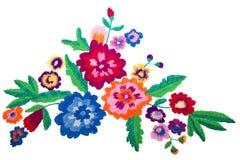 Flores del ramo del bordado aisladas en el fondo blanco imagen de archivo