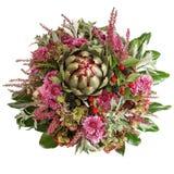 Flores do crisântemo com alcachofra e amoras-pretas Imagem de Stock Royalty Free