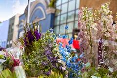 Flores do mercado da estrada de Londres Portobello no Reino Unido Fotos de Stock Royalty Free
