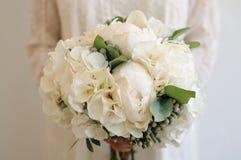 Flores do vestido de casamento imagens de stock royalty free