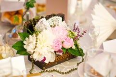 Flores do whit da caixa imagem de stock royalty free