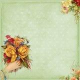 Flores doces da terra arrendada da mão do frame do estilo do Victorian Imagens de Stock Royalty Free